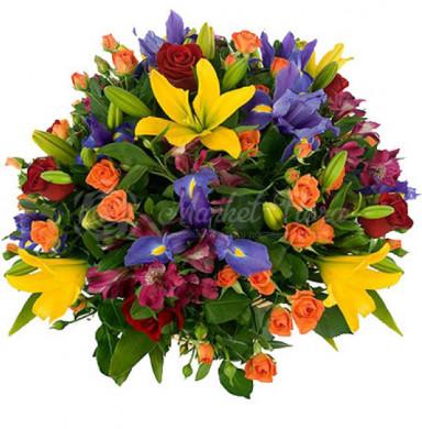 Корзина цветов «Цвета радуги»